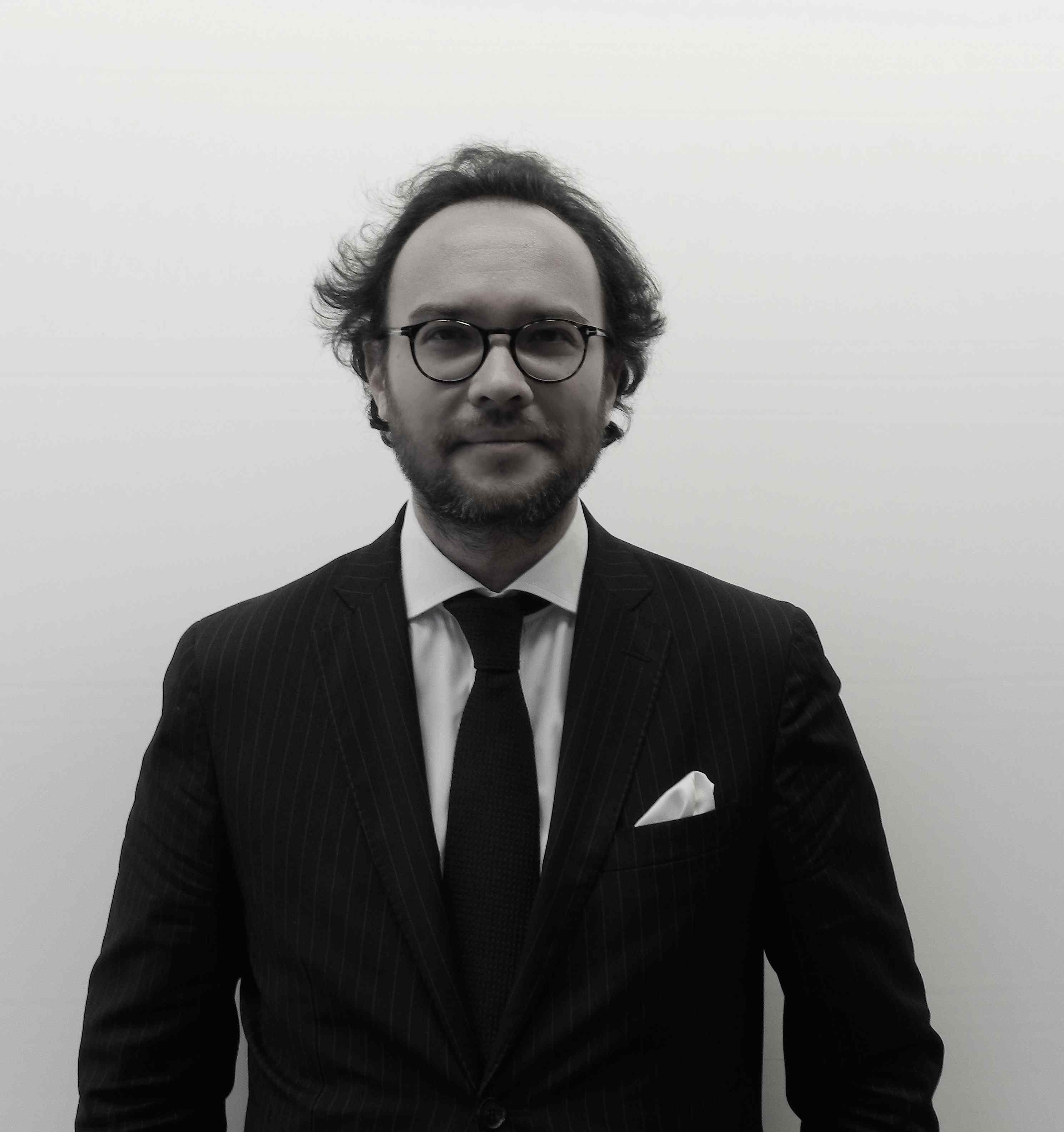 master emmanuel Emmanuel macron a 21 ans quand il entre à sciences po  l'ecole du management et de l'innovation ouvre un nouveau master intitulé « master marketing :.